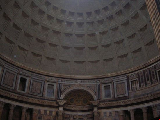 5267 roma pantheon interno