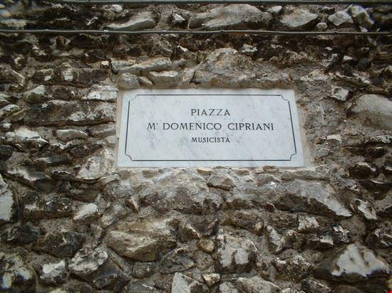 53110_piazza_domenico_cipriani_gavignano