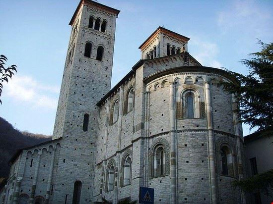 53274 como basilica di sant  abbondio a como