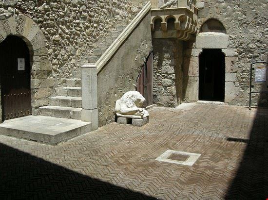 Cortile interno di Palazzo Corvaja