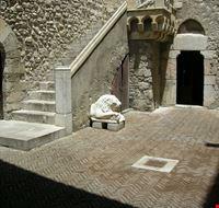 53441 taormina cortile interno di palazzo corvaja