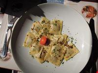 locarno ravioli con ripieno di carne di cervo e salsa tartufata
