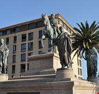 place de gaulle statua di napoleone e i suoi fratelli ajaccio