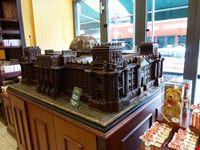 berlino riproduzione in cioccolato del reichstad alla fassbender und rausch