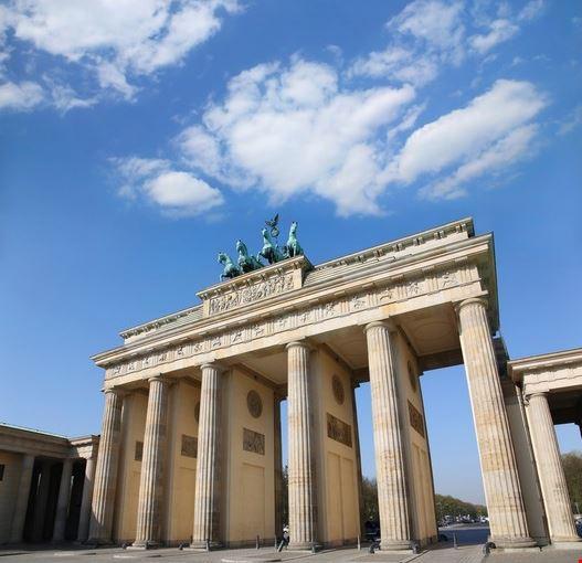 Foto porta di brandeburgo a berlino 527x550 autore - Berlino porta di magdeburgo ...