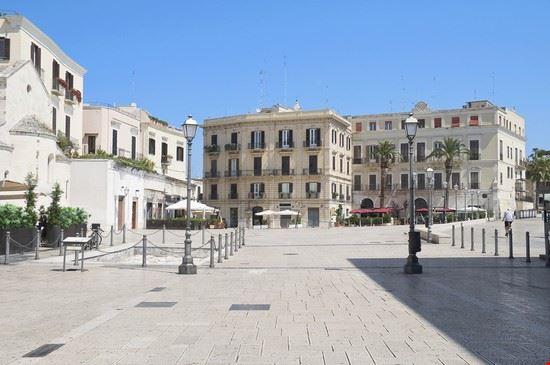 Piazza Ferrarese a Bari