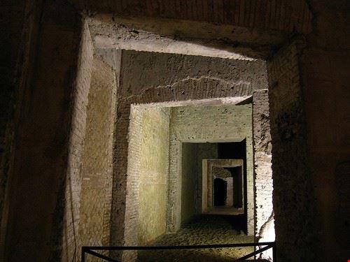 54485 roma corridoi della domus aurea