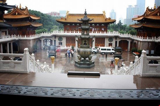 Tempio Jing'an, Tempio della Tranquillità, a Shanghai