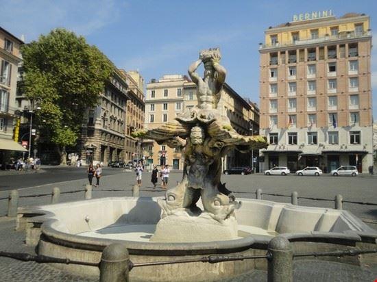 55332 fontana del tritone roma