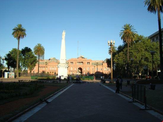 buenos aires plaza de mayo e casa rosada sullo sfondo