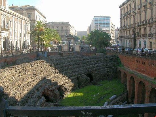 55565 catania anfiteatro romano