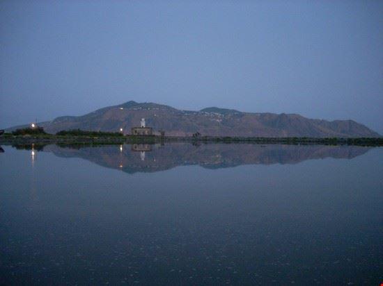 Lago di Lingua (Santa Marina Salina)