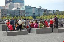 stadtfuehrung am holocaust mahnmal berlin