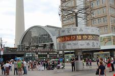 weltzeituhr am alexanderplatz berlin berlin