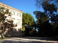 Villa Murri circondata dal verde del suo parco