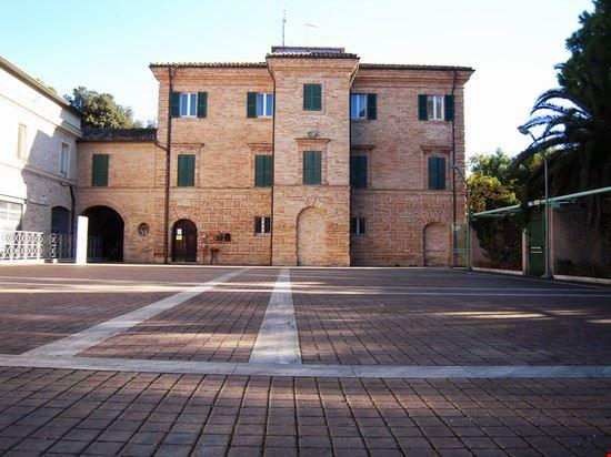 Villa Murri: l'edificio sede degli uffici comunali
