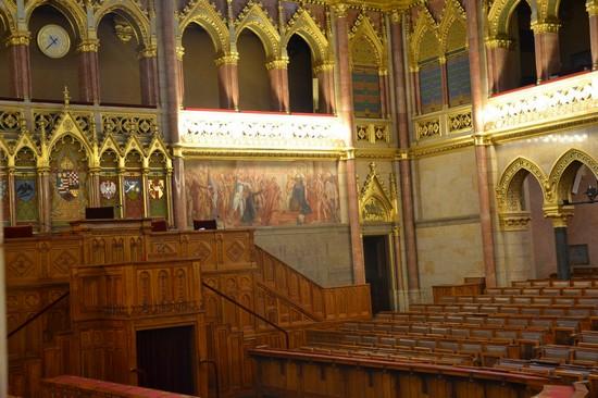 Foto Interno Parlamento A Budapest 550x366 Autore Ugo
