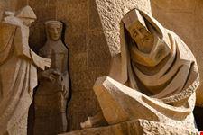 statua sagrada familia barcellona