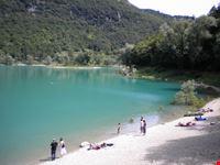 La spiaggia del Lago di Tenno