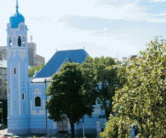 57271 bratislava kostol svaetej albety chiesa blu