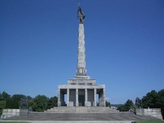57303 bratislava slavin