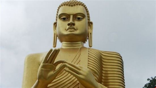 dambulla il grande buddha d  oro