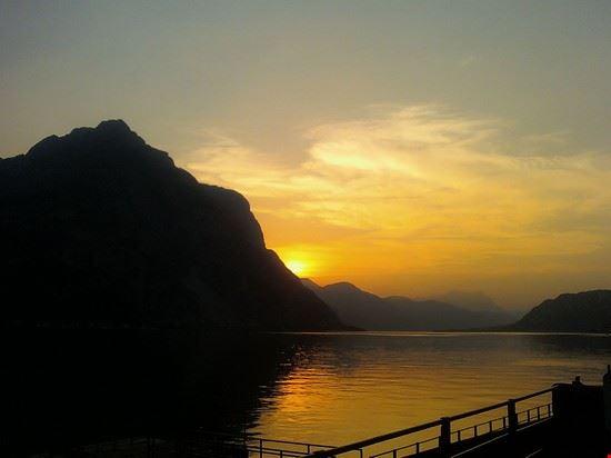 Lecco al tramonto