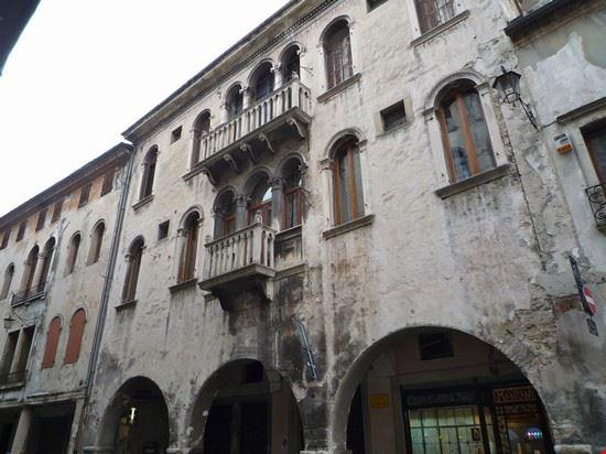 58102_vittorio_veneto_palazzo
