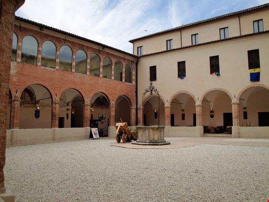 Veduta Chiostro Chiesa S.Benedetto