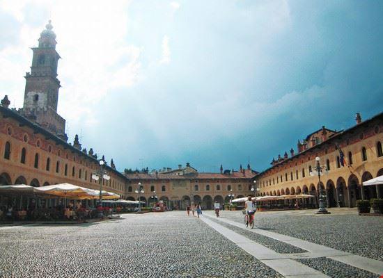piazza ducale vigevano