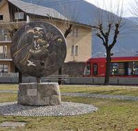Monumento Apparizione e trenino rosso