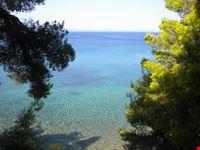 Acque cristalline ad Elia Beach