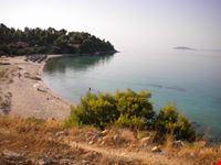 Vista della spiaggia di Koviou