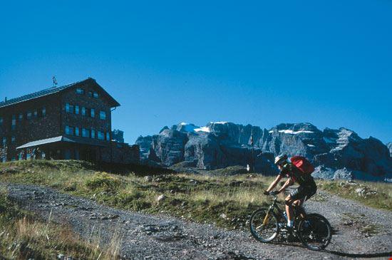 marilleva mountain bike nel gruppo di brenta