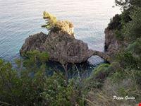 arco naturale detto ponte degl innamorati amalfi