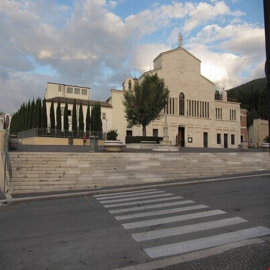 chiesa antica e santuario di santa maria delle grazie san giovanni rotondo