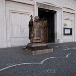 Statua di Papa Wojtyla