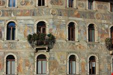 Facciata affrescata Piazza Duomo