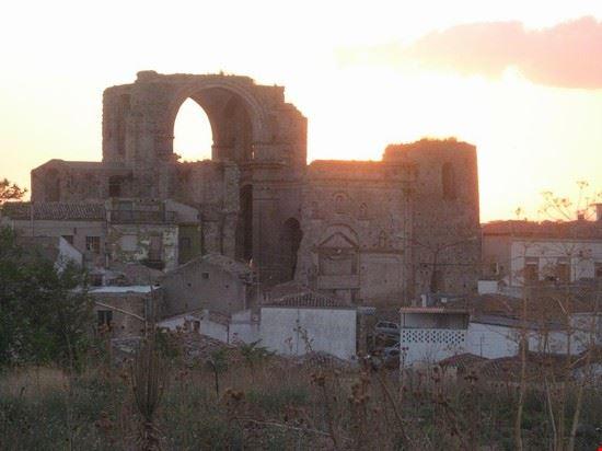 Chiesa diruta dei SS. Luca e Giuliano