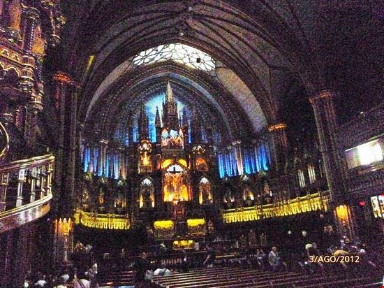 62141 interno della chiesa montreal