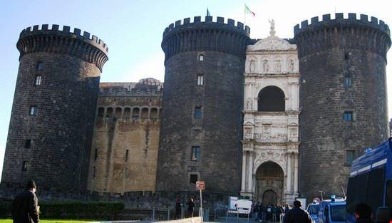 62548 castello del maschio angioino napoli