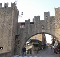 San marino travel guide useful information to visit san for Flights to san marino italy