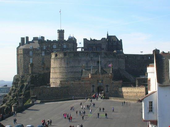 64108 edimburgo castello