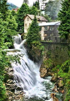 badgastein cascata fra le alpi austriache