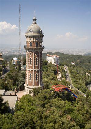 Foto tibidabo a barcellona 299x425 autore redazione for Villaggi vacanze barcellona