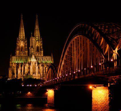 cologne la cattedrale e il ponte