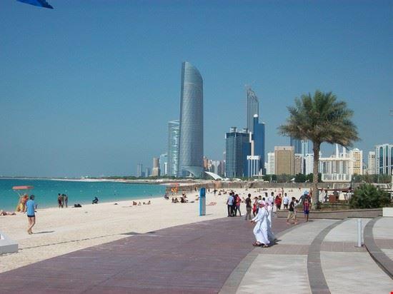 spiaggia abu dhabi