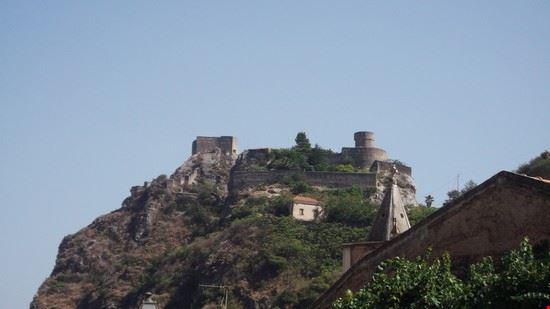 il castello di Sant'Alessio