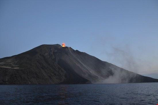 66553 isola di stromboli esplosione