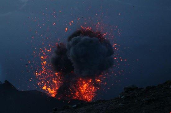 66586 isola di stromboli eruzione di stromboli
